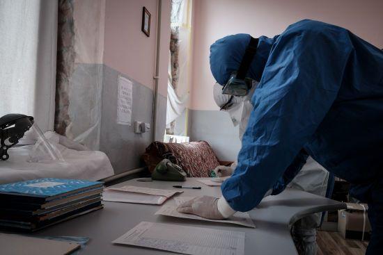 Чотири години провела у приймальні: на Прикарпатті померла жінка, якій відмовили у госпіталізації