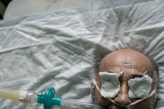 У Рівненській області коронавірусом заразилися ще понад чотири десятки людей від 11 до 79 років