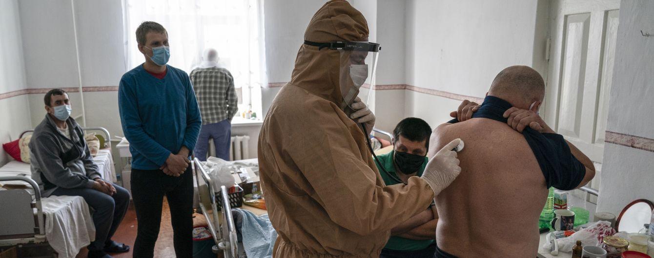 На Буковині знову розгортають ліжка для хворих на коронавірус, а кількість заражених наближається до 6,3 тис