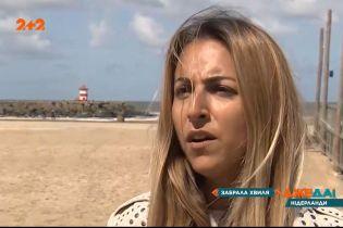 В Нидерландах во время шторма 5 профессиональных серферов вышли в море на досках