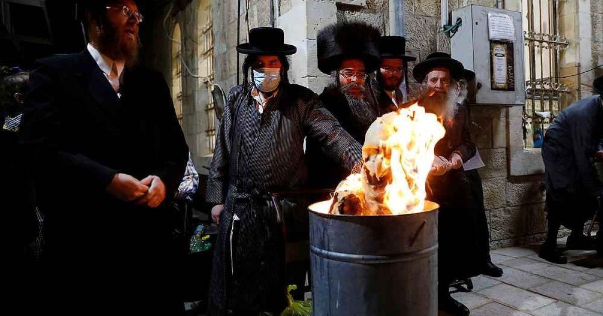В Ізраїлі заарештували понад три сотні євреїв, які вийшли на святкування попри коронавірусний карантин
