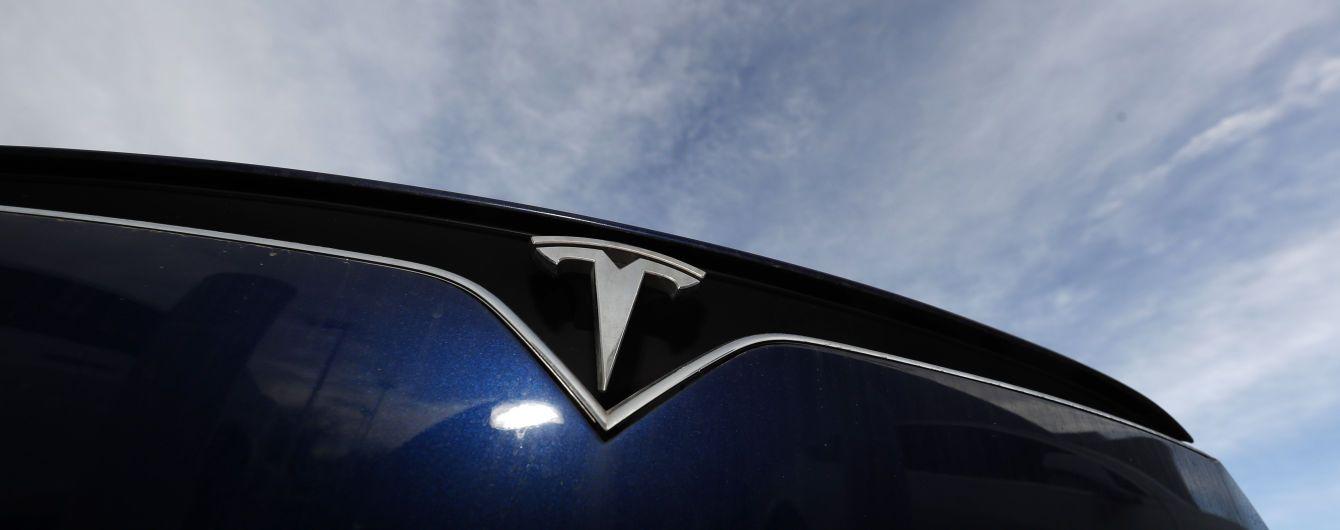 У США внаслідок аварії з Tesla на автопілоті загинули двоє чоловіків: фото