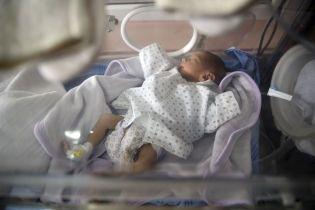 В Івано-Франківську у лікарні залишили недоношене немовля