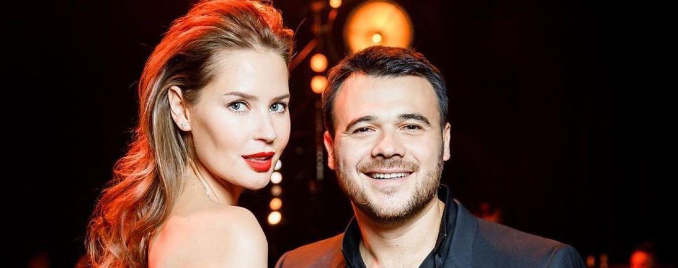 Известный российский певец шокировал новостью о разводе с женой-красавицей