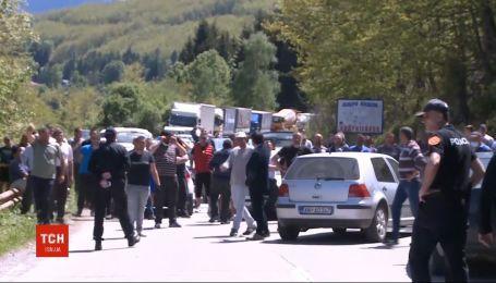У місті Нікшич зчинились сутички через священників, які порушили карантин