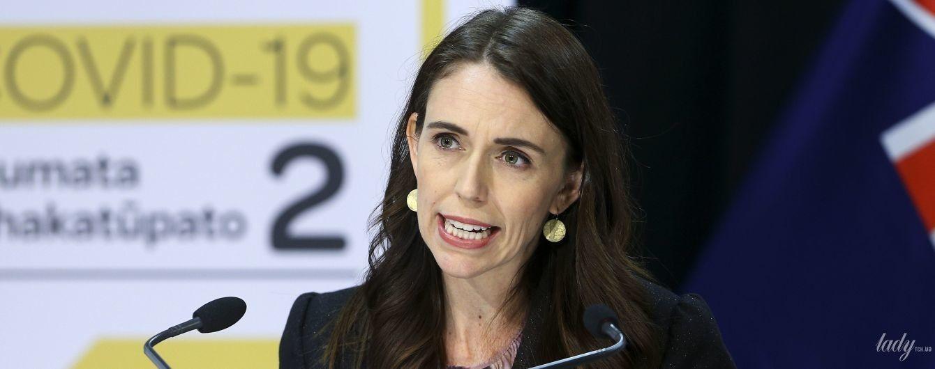 У діловому костюмі і з гарними локонами: прем'єр-міністерка Нової Зеландії на засіданні парламенту