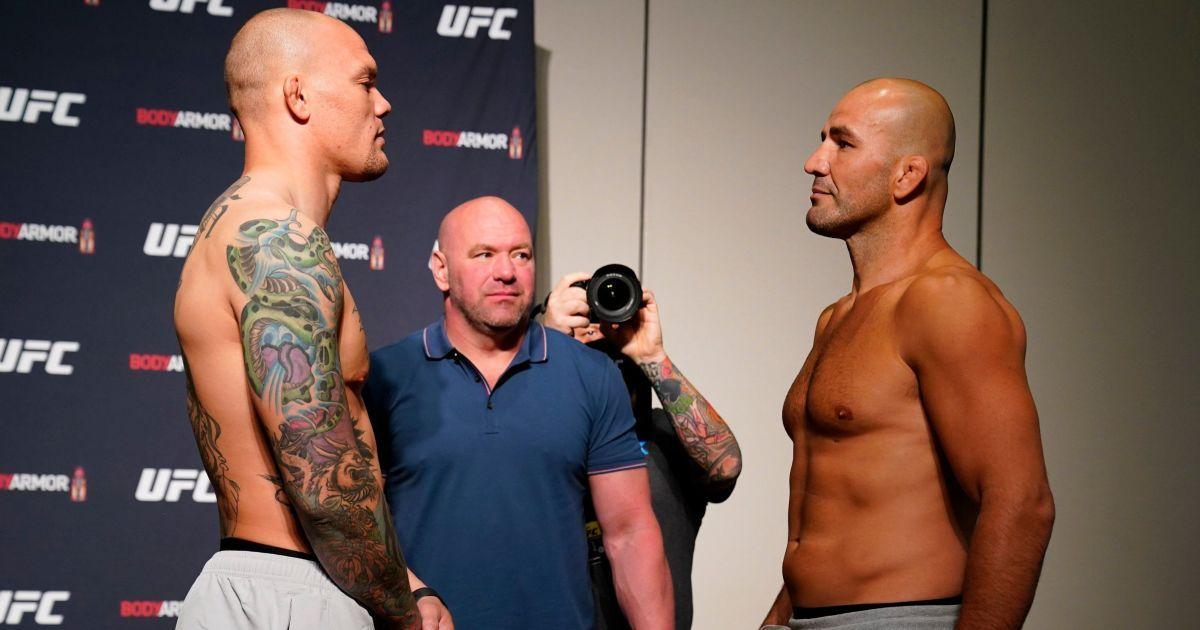 Боєць отримав жахливі травми після брутального бою UFC, в Мережі шириться відео, як він віддає свій зуб судді