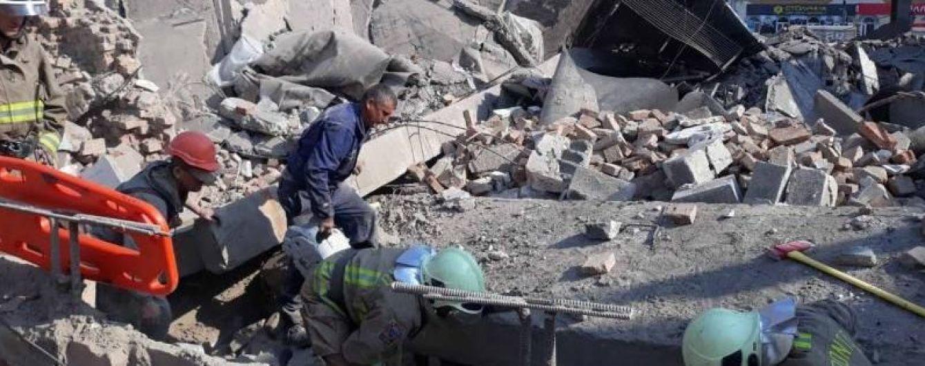 У Закарпатській області повалилася будівля кінотеатру: є жертви
