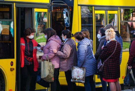 У Києві вже сьогодні громадський транспорт запрацює у звичайному режимі