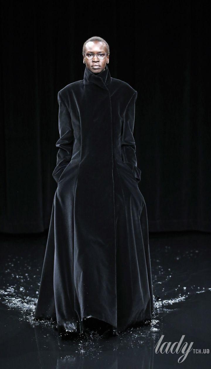 Колекція Balenciaga прет-а-порте сезону осінь-зима 2020-2021 @ East News