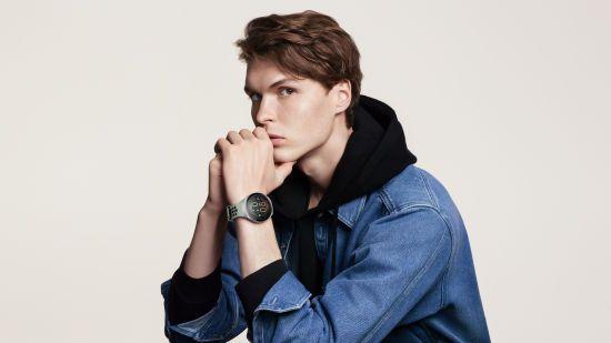 Компанія Huawei випустила смарт-годинник Huawei Watch GT 2e з функцією вимірювання кисню у крові