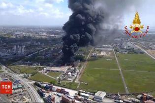 Неподалік Венеції стався вибух на хімічному заводі, є постраждалі