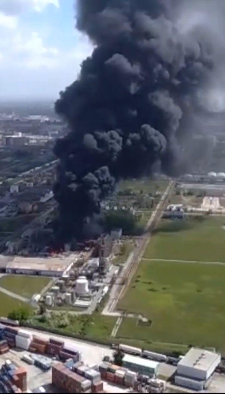 Неподалеку Венеции произошел взрыв на химическом заводе, есть пострадавшие