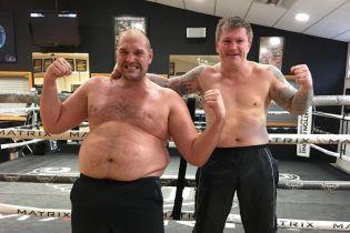 """""""Неистовый метод"""": Тайсон Фьюри раскрыл секреты своего чудо-похудения в авторской книге о диетах"""