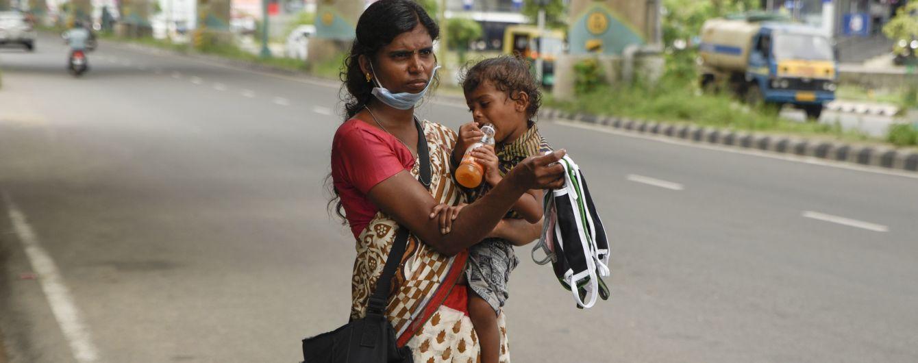 За неделю в Индии зафиксировали почти 100 тысяч инфицированных коронавирусом