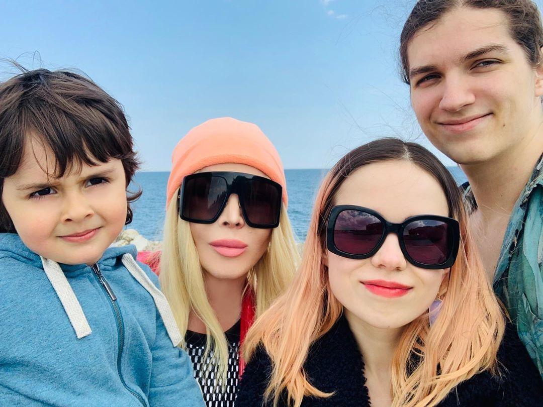 Ірина Білик з синами