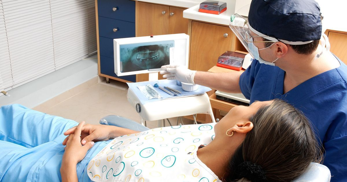 Исчезают зубы мудрости и появляются новые артерии: ученые заметили эволюцию тела человека