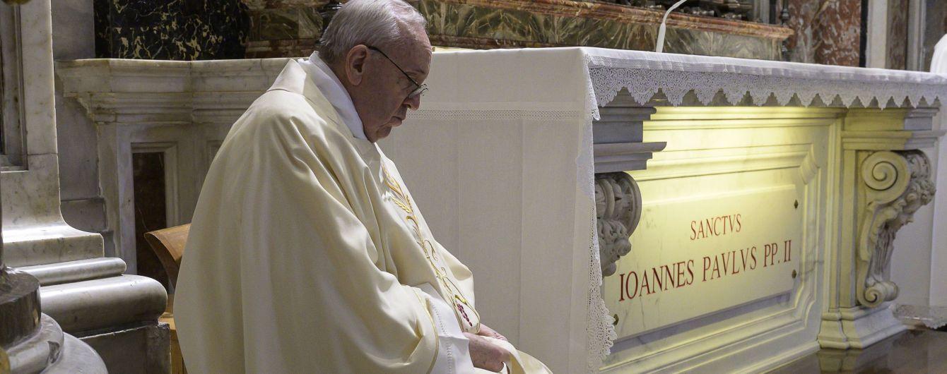 В Италии открываются церкви: Папа Римский провел первую за время карантина мессу