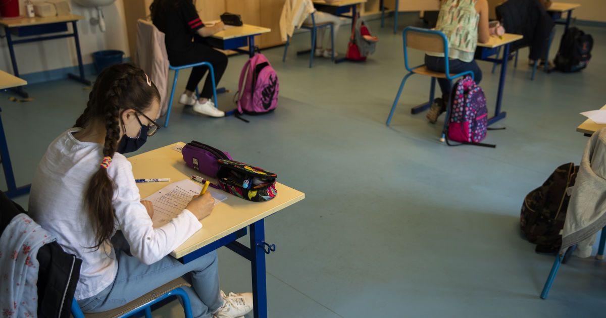 Примус до носіння обов'язкової шкільної форми порушує права учнів — освітній омбудсмен