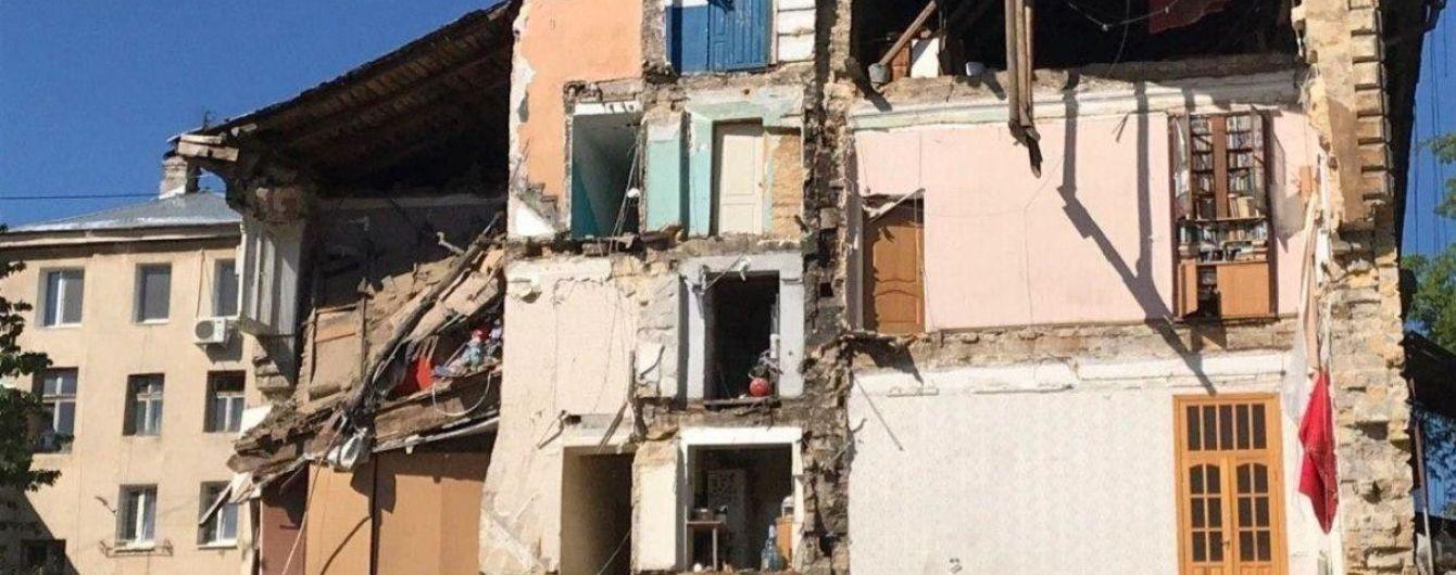 Всех людей из рухнувшего дома в Одессе отселят