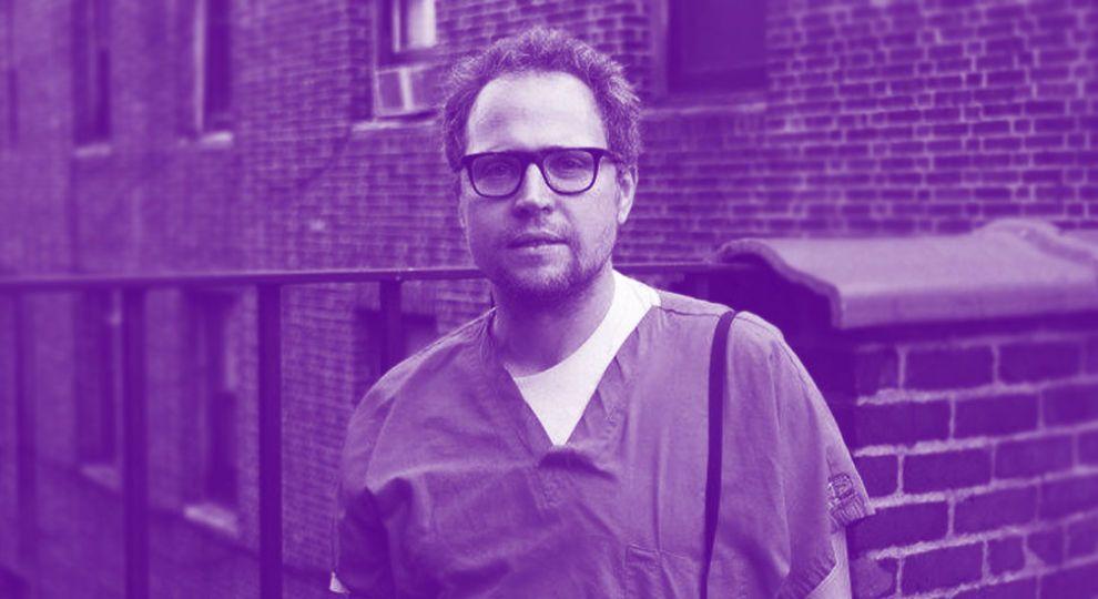 """""""Було страшно захворіти і заразити родину"""" - нью-йоркський лікар записав подкаст про боротьбу з коронавірусом"""