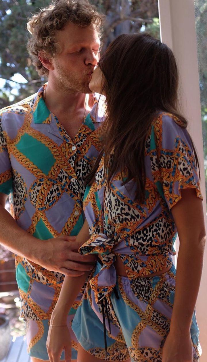 Эмили Ратажковски с мужем