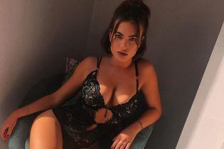 В кружевном белье и с секс-игрушками: Меган Бартон Хансон поделилась пикантным фото