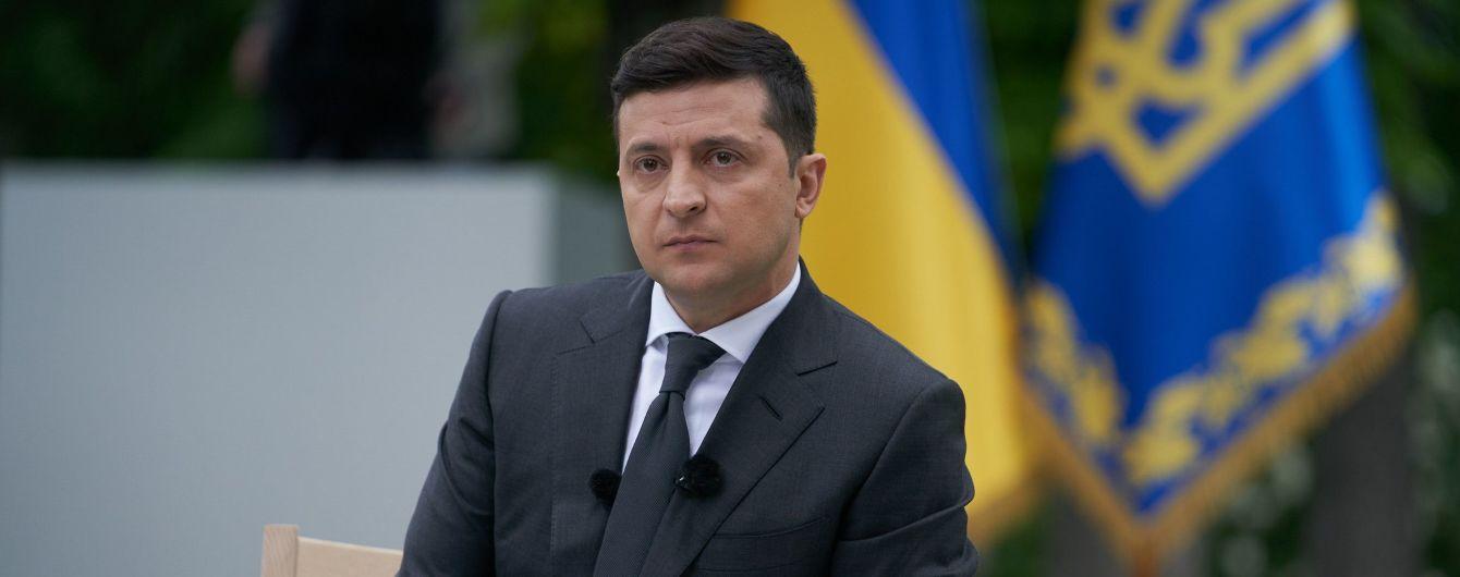 """Зеленський назвав """"нахабством"""" стеження журналістів за його кортежем"""