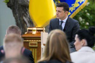 """Зеленський дає собі ще """"кілька місяців"""" для пожвавлення роботи ТКГ у Мінську та готовий до перемовин із Путіним"""