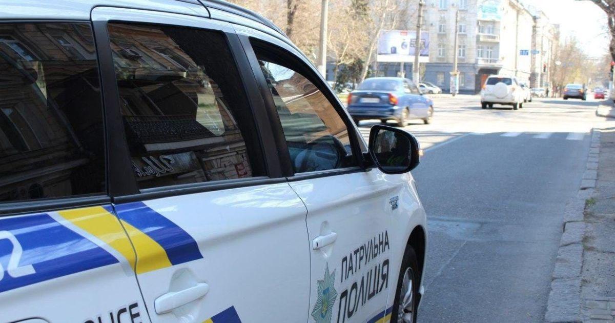 В Киеве пьяный водитель устроил гонки с патрульными, а после остановки заявил, что был пассажиром: видео