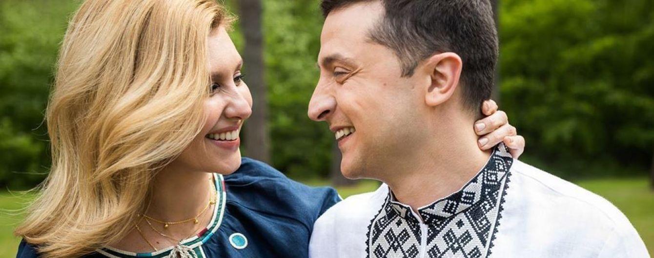 У красивих вишиванках і з усмішками: Олена Зеленська показала миле фото з чоловіком