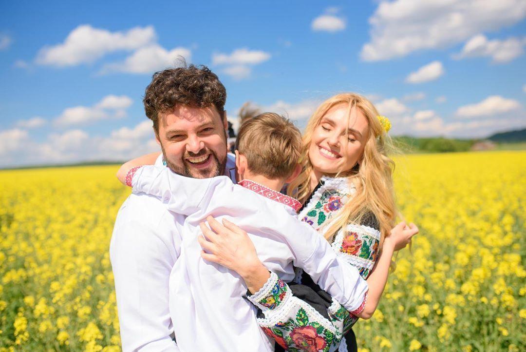 Ірина Федишин з чоловіком та дітьми_4