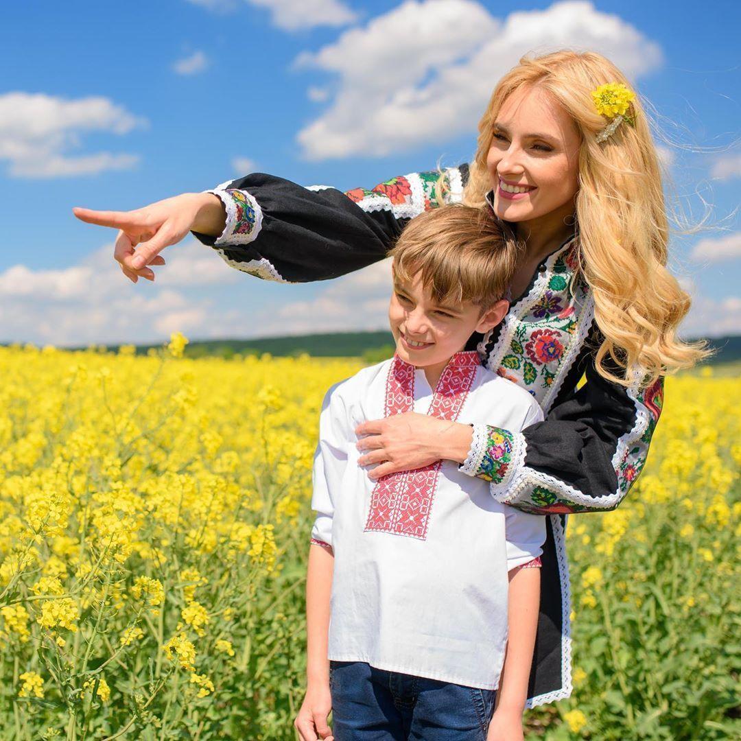 Ірина Федишин з чоловіком та дітьми_1