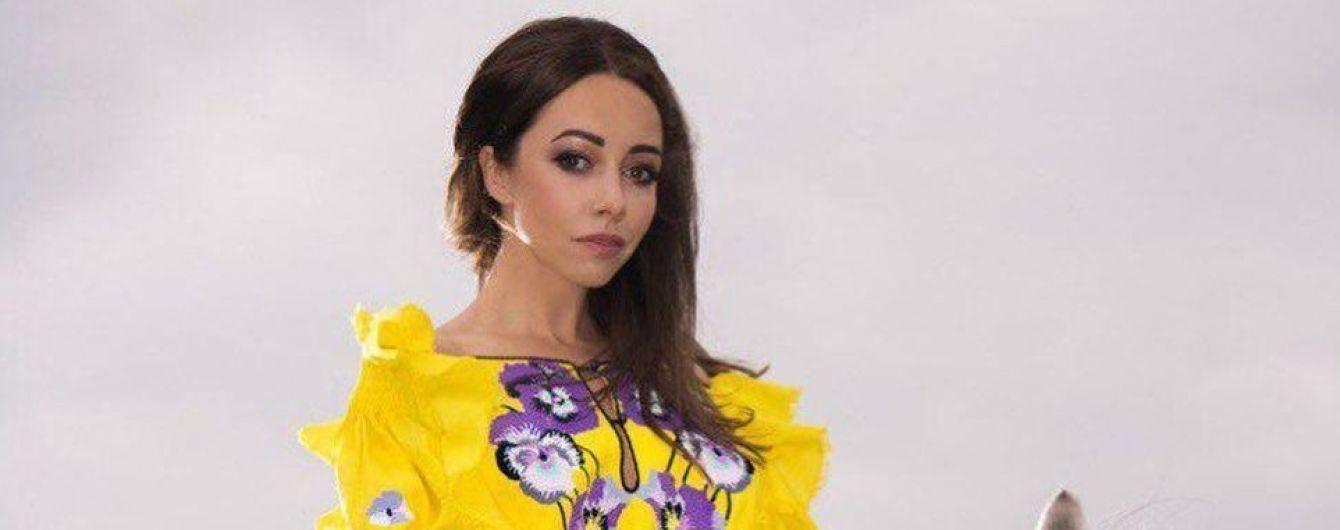 В ярком платье-вышиванке и верхом на коне: Екатерина Кухар рассказала о символизме национальной одежды