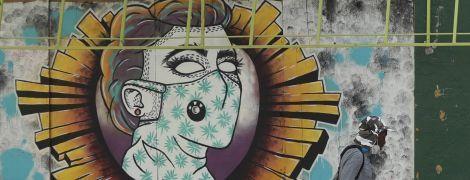 """Художники проти політиків і за миття рук: зібрали найцікавіше з вуличного """"ковід-арту"""""""