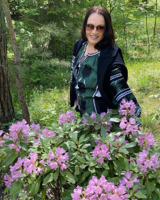 Софія Ротару після тривалої перерви порадувала фанів квітучим виглядом
