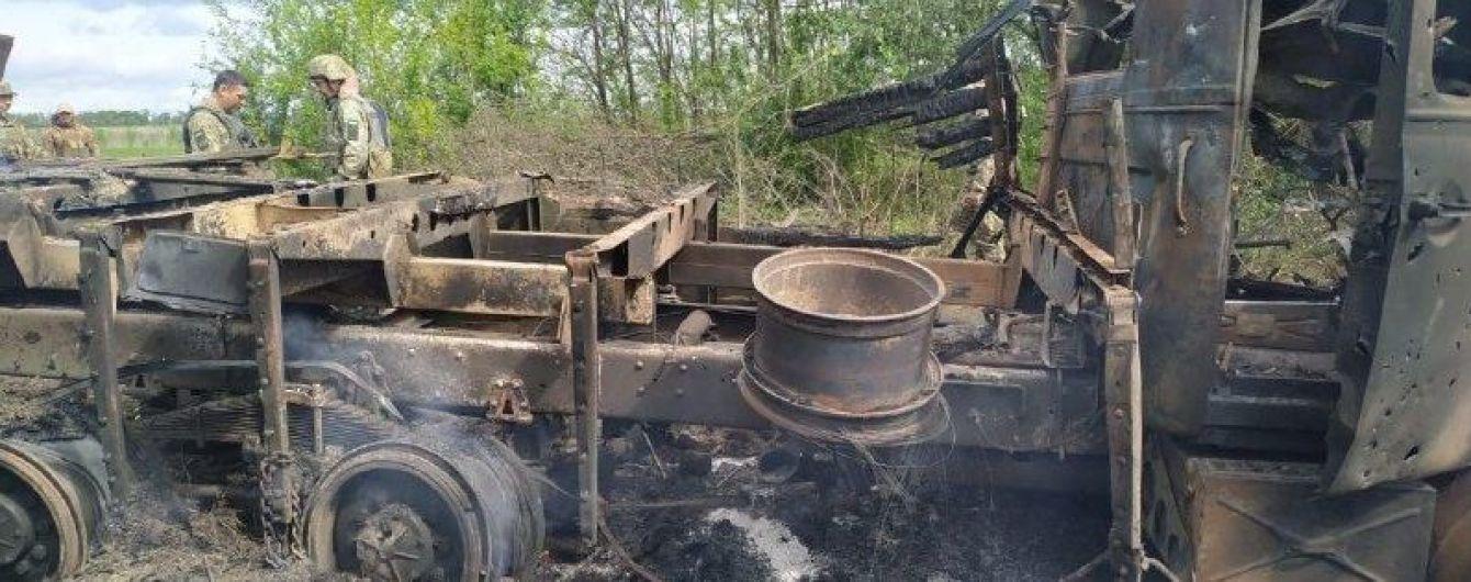 Журналіст розповів деталі підриву вантажівки на Донбасі, в якій загинув український військовий: оприлюднено фото