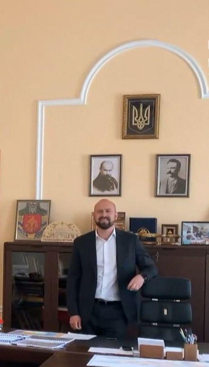 Президент – не ікона: чи вішають чиновники у своїх кабінетах портрет Зеленського