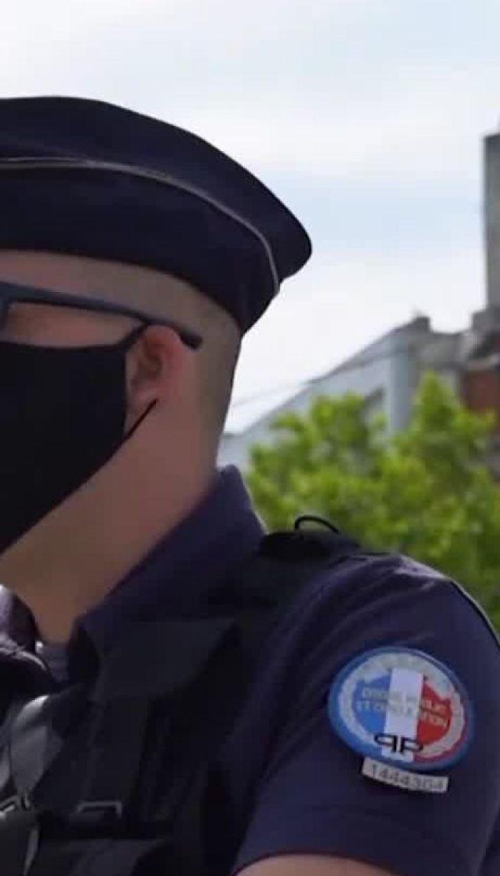 Гучний протест: у Франції медики скаржаться на умови праці
