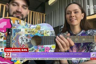 Украинские звезды показали свои первые и самые любимые музыкальные инструменты