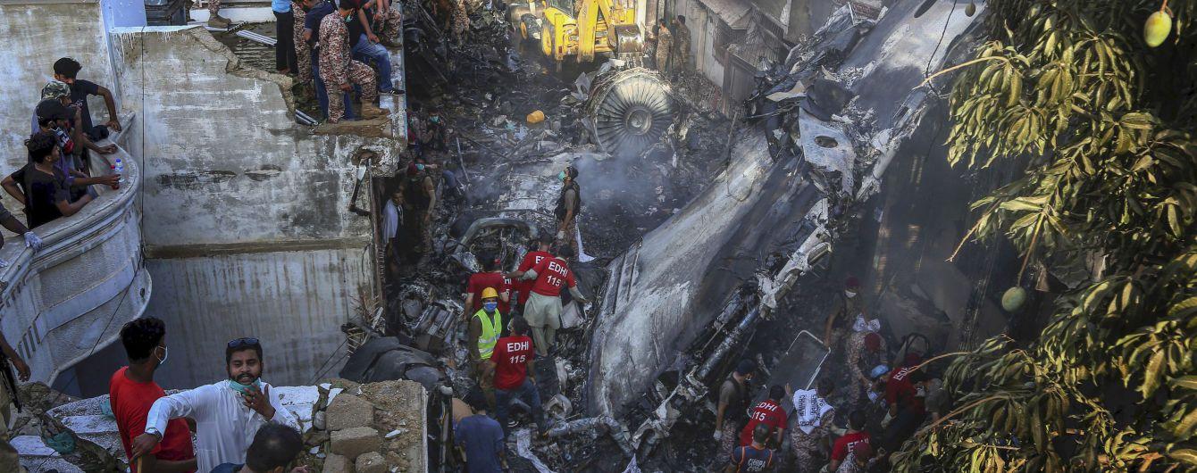 У Пакистані піcля авіакатастрофи Airbus A320 заявили, шо кожен третій пілот літає без ліцензії