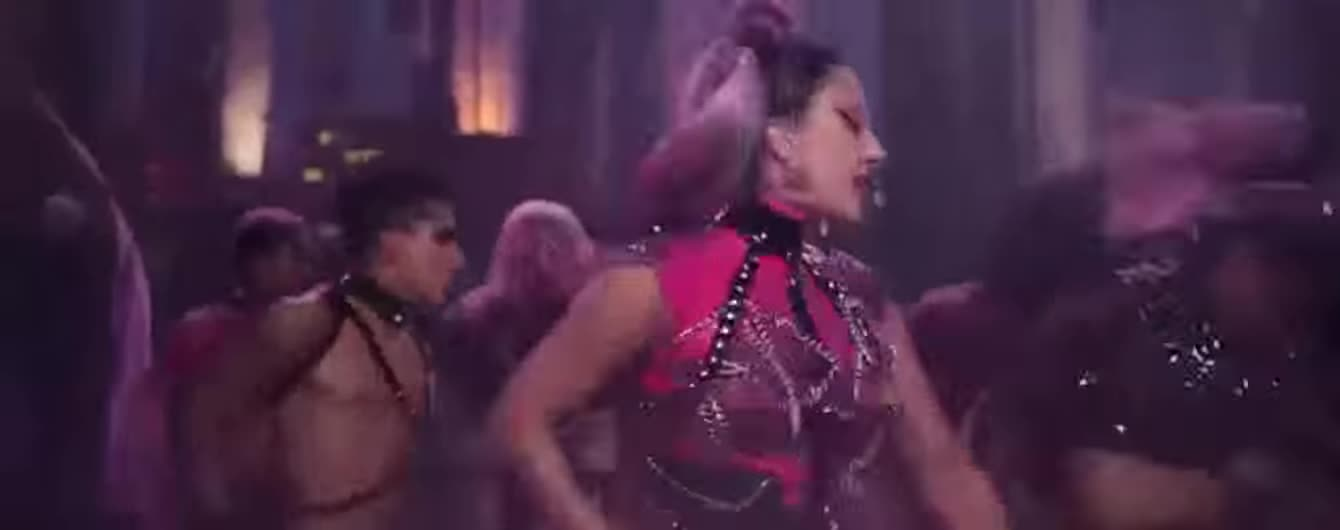 Леді Гага та Аріана Гранде в латексі влаштували запальні танці під дощем