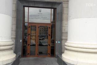 Житомирского стрелка, которого подозревают в убийстве АТОшников, завели в зал суда