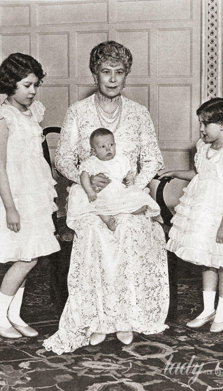 Марія Текська з принцесами Єлизаветою і Маргарет