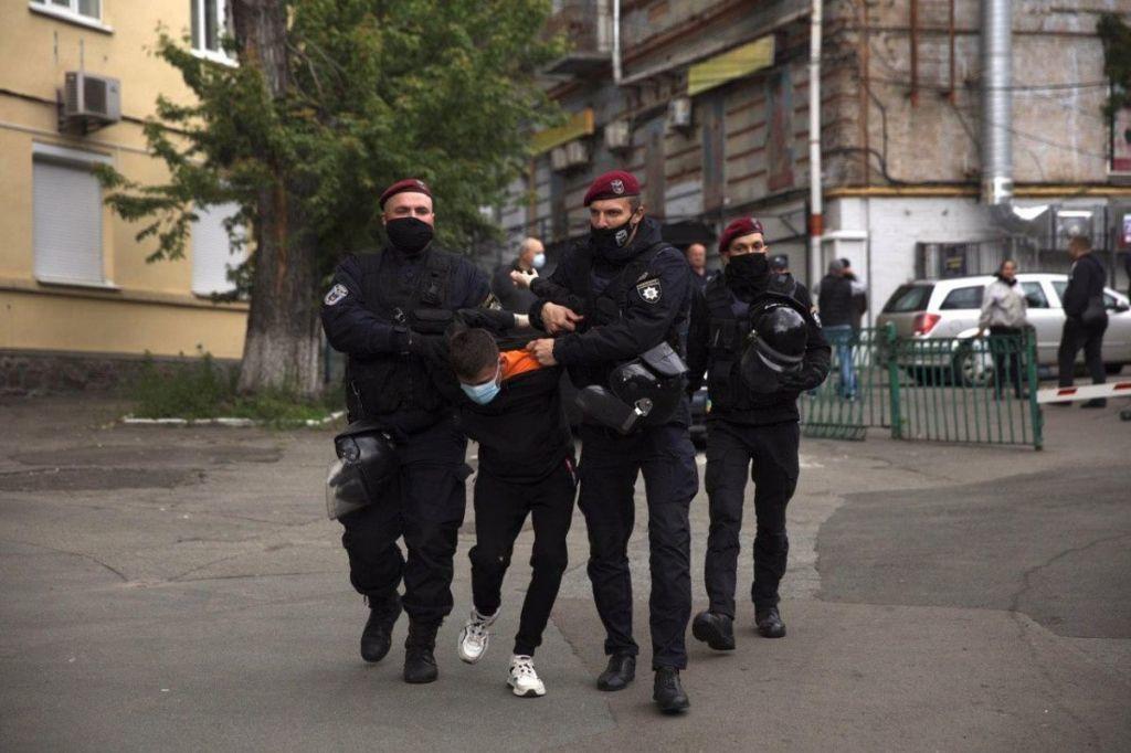 вибух біля офіса Медведчука_13