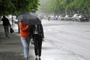 Прогноз погоди на 10 серпня: у більшості областей дощитиме, температура повітря до +32