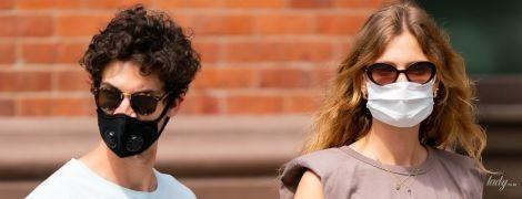 За ручку з коханим: модель Констанс Яблонскі на прогулянці в Нью-Йорку