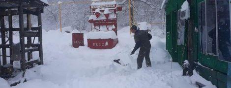 Юг России засыпало полуметровым слоем снега