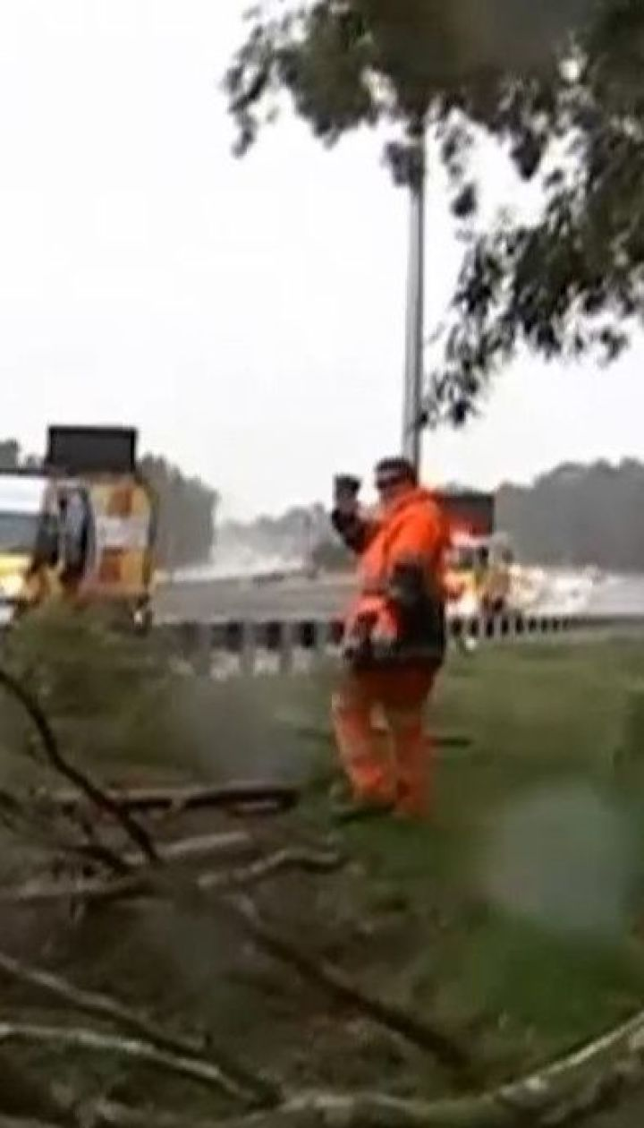 Запад Австралии страдает от мощного шторма