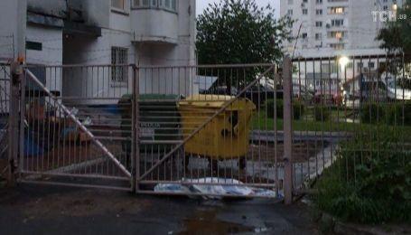 Был в депрессии и имел проблемы с работой: в Киеве с восьмого этажа выпрыгнул молодой человек